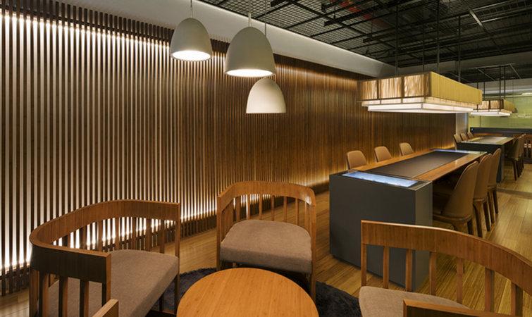 以竹子为元素装饰的店铺并不常见