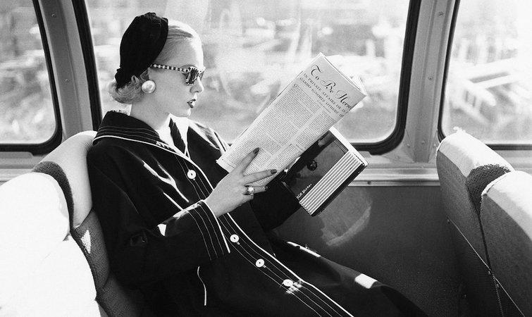 《火车上的女孩》这本小说,打破了英国畅销书记录