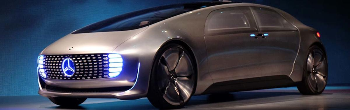 2014 年风光进驻的苹果已经不再是智能汽车的主角