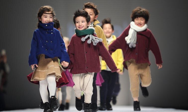 出现在童装秀场的小模特,他们是从哪里来的 | 上海时装周