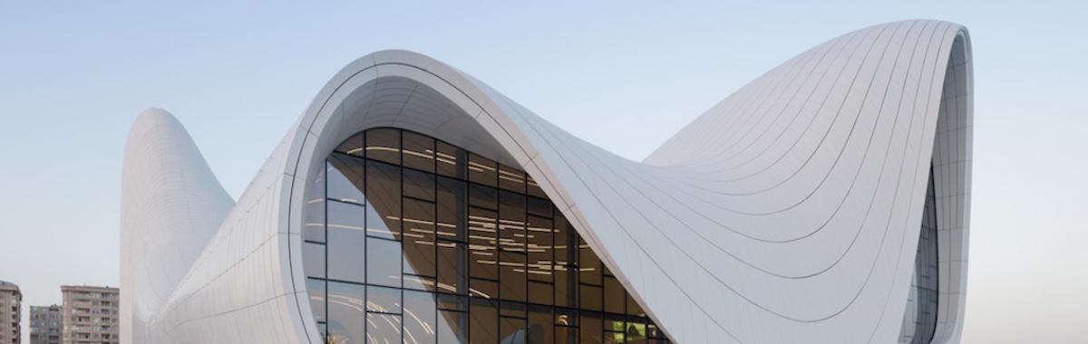 扎哈·哈迪德、她的建筑和我们所处的这个世界