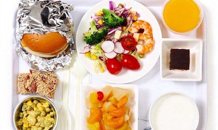 米其林和地方特色噱头的飞机餐,真的会好吃么?