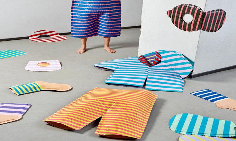 荷兰埃因霍温设计学院(Design Academy Eindhoven),2003 年被《纽约时报》称作世界上最好的设计学院,最近刚刚结束其 2016 年毕业生设计展,171 个毕业生的作品通过设计探讨了和平、生产、监视与隐私、性别等主题。学校给学生高度的自由去发挥自己的创意, 几乎所有的毕业项目都是学生自发,结合文化背景、个人经历和兴趣,包含了他们通过设计对人类活动、情感的思考。 我们挑选了几个关于时尚的设计,这些现在并不主流的实验性设计,也许会出现在未来的时尚趋势当中呢,如果没有,能启发你的思考也是可