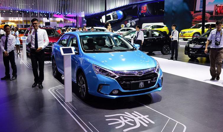 近日一汽丰田在北京组织了一场营销活动,重新介绍了卡罗拉双擎的技术