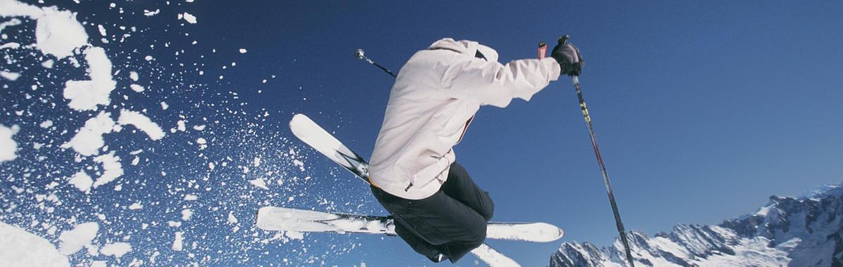 越来越多的人去玩滑雪,它在中国已经变成一个好生意了吗?
