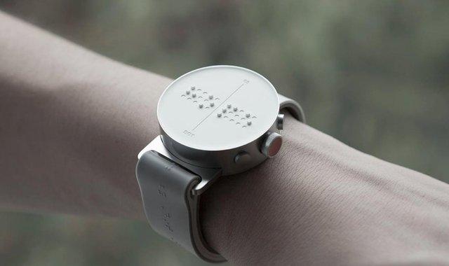 好奇心快报 - 布满小点的智能手表,想让盲人摸出讯息|这个设计了不起图片