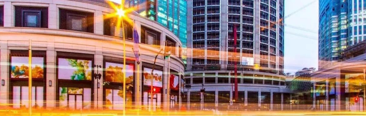 从后街到购物中心,700 米街上的 4 种商业形态 | 作为标本的上海南京西路①