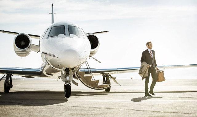 销售低迷,打折贬值,私人飞机市场进入恶性循环 | 好奇