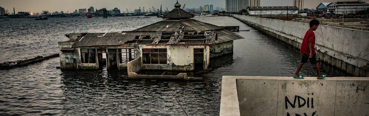拯救一座下沉的城市:是什么让雅加达落入如此糟糕的境地,它又要如何摆脱?