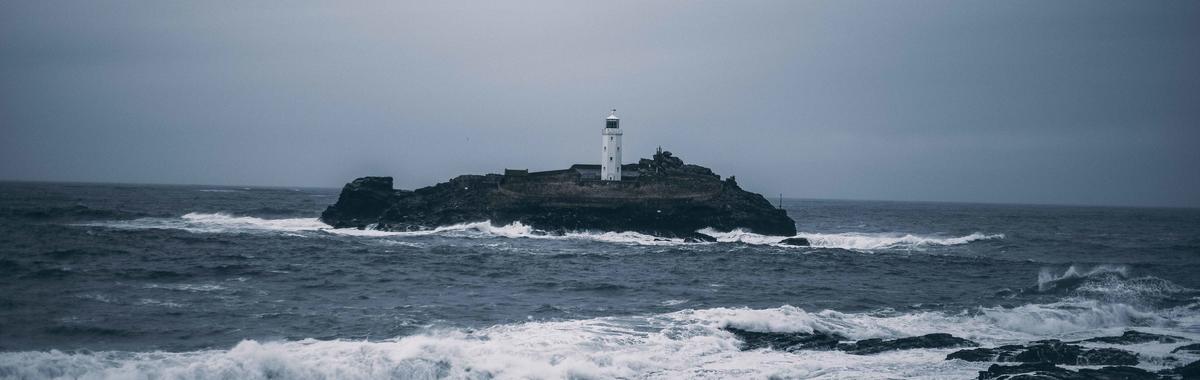 王小波,《我在荒岛上迎接黎明》:如果我会发光,就不必害怕黑暗