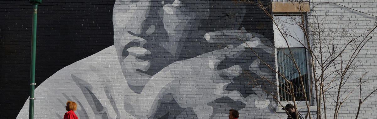 马丁·路德·金遇刺 50 周年,为什么人们依然在纪念他?我们重发了他当年的讣告