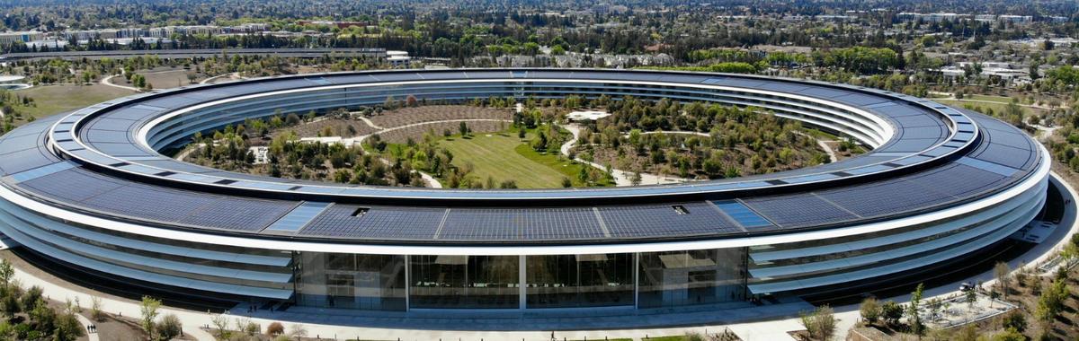 苹果冲向万亿市值,它是怎么做到的,这又意味着什么?