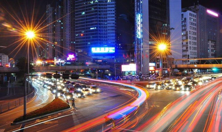 深圳说到 2035 年要新增 170 万套住房,每年建新房要比现在翻三倍 | 好奇心小数据