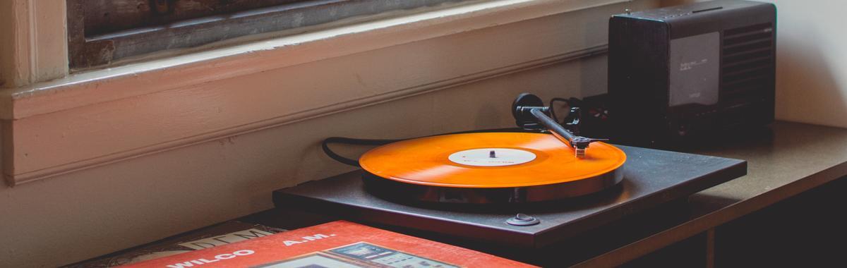 合适的音乐的确使人身心愉快,但谁能解释完整的原因?