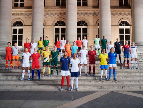 耐克公布女足世界杯球衣,它们终于不再是男足球衣的翻版