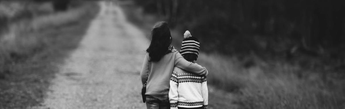 据说共情有助于在日益割裂的社会里弥合差异,然而什么才是共情?