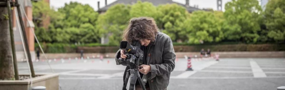 埃莱娜·比奈的 30 年摄影生涯:从柯布西耶到哈迪德,在光影中探寻建筑的复杂性
