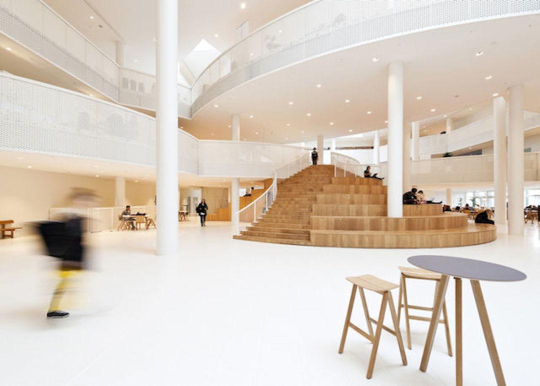 这是根据设计师Mikkel Frost水彩画设计的楼梯