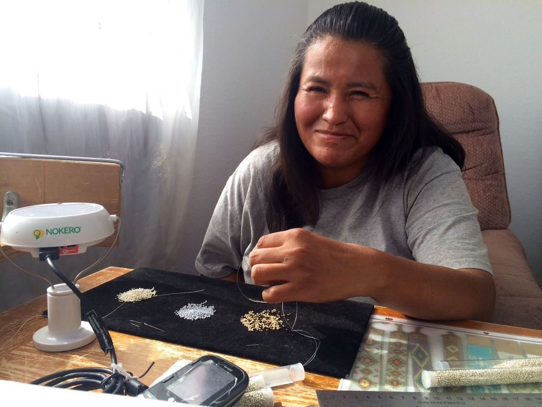 一个首饰品牌如何重新挖掘了墨西哥的传统手工艺_时尚_好奇心日报