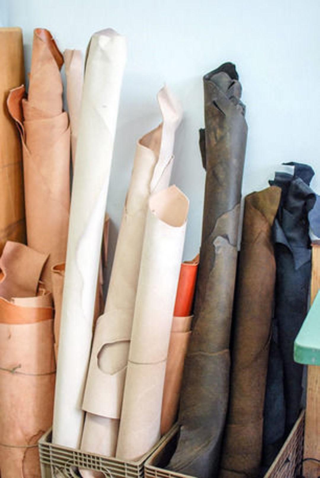纽约basäder皮具店,如何同时做到手工和平价_时尚_好奇心日报