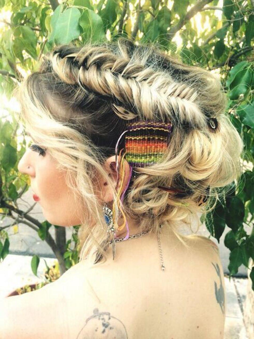 人类为了美,折腾起头发来是没有极限的_时尚_好奇心日报