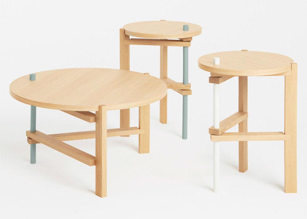 可折叠的圆桌 by Tomas Alonso