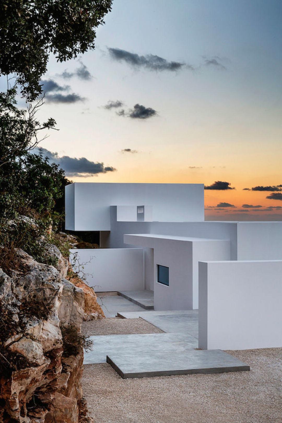 怎么把希腊的海和天请进屋里,设计师动了动窗户的设计_设计_好奇心日报