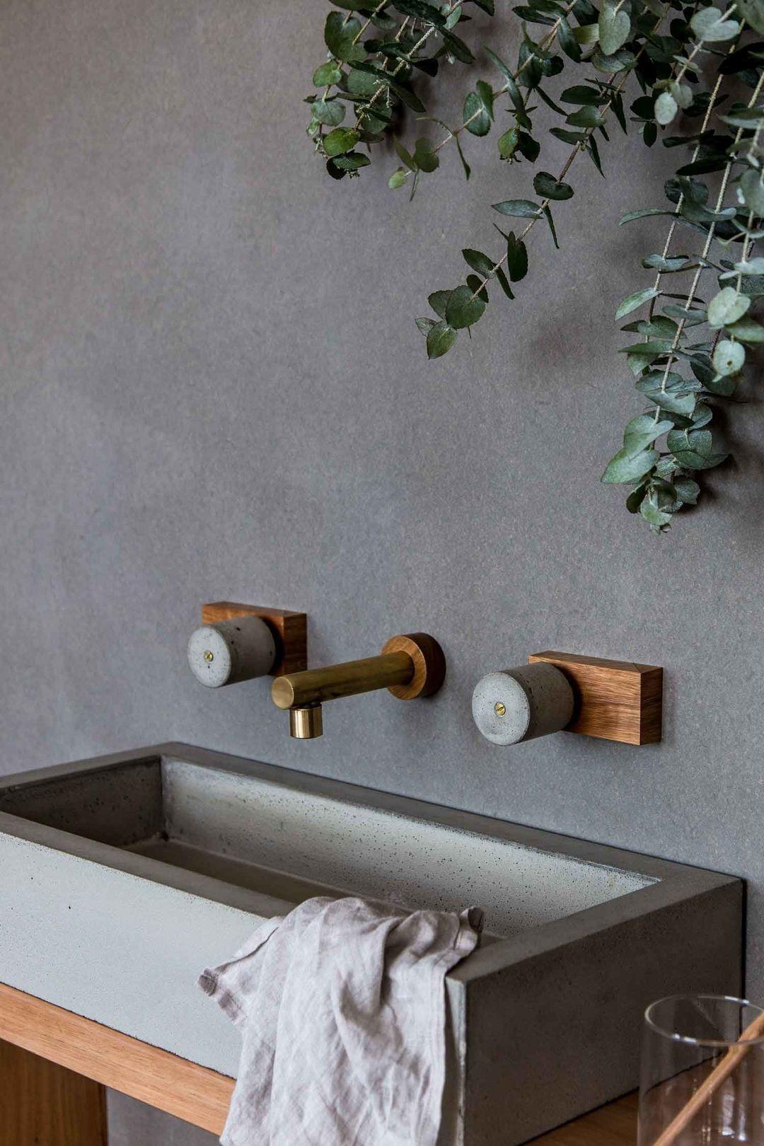 木头、黄铜和混凝土,洗手池也可以温馨一点_设计_好奇心日报