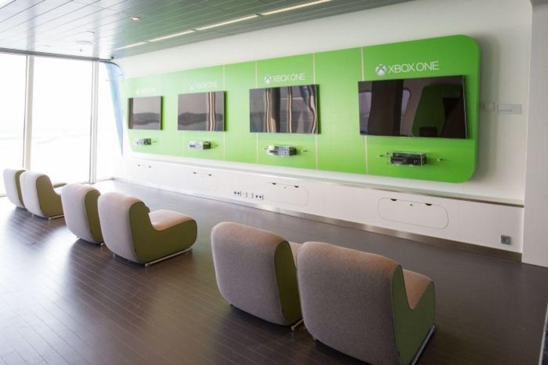 皇家加勒比邮轮上的 Xbox 游戏室