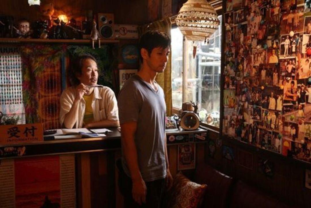 又有一部探讨畸形人性的电影,北野武主演的《当女人沉睡时》_娱乐_好奇心日报