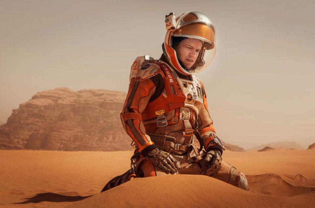 马特·达蒙在影片《火星救援》中。图片版权 Aidan Monaghan / 20 世纪福克斯公司