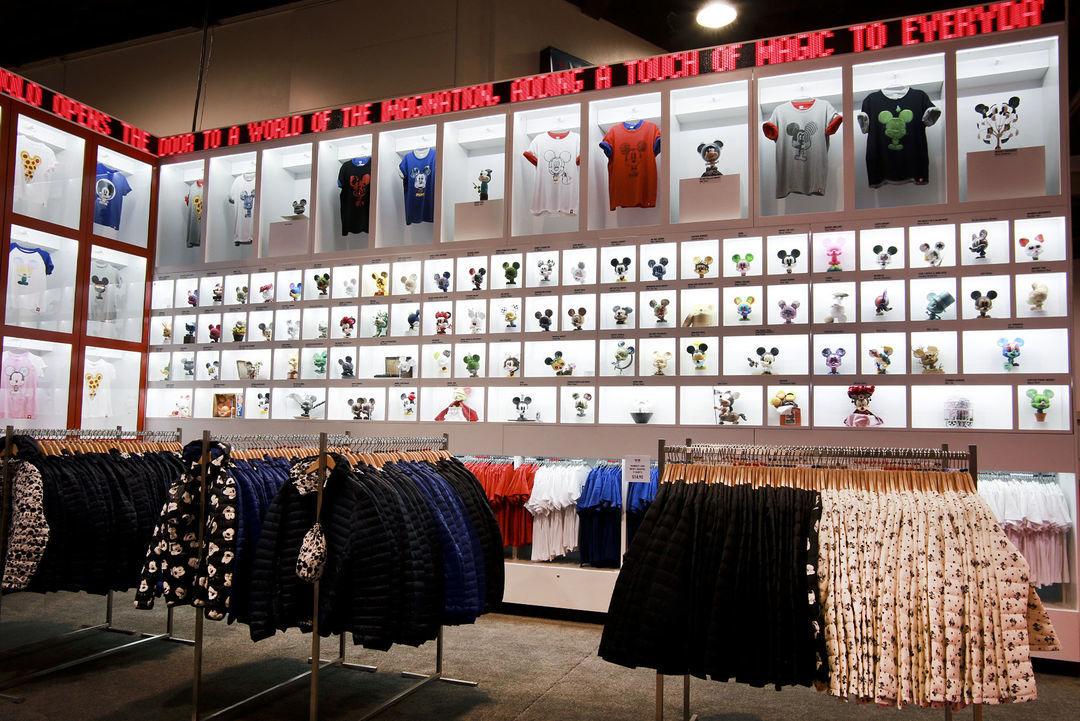 印上米老鼠,优衣库美国一天完成了三天的T恤销售量_时尚_好奇心日报
