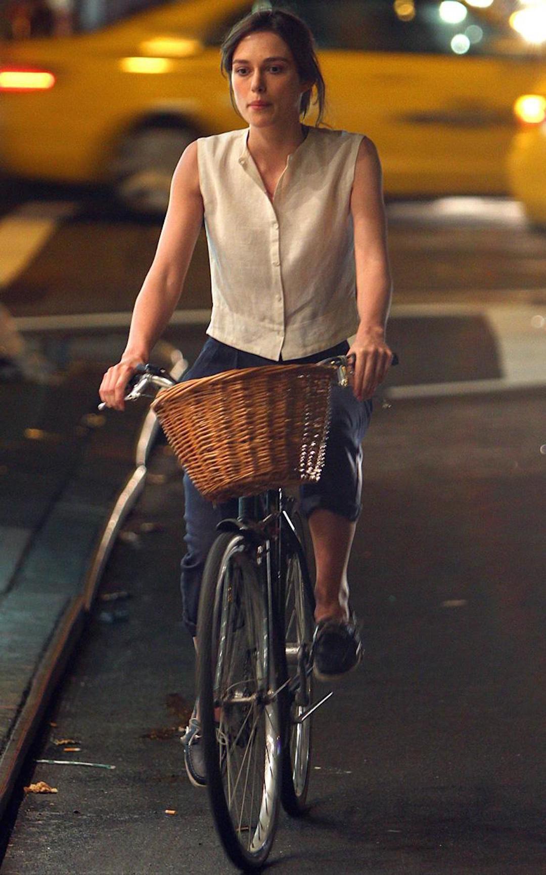 你骑车的时候都穿什么?有他们这么美吗?_时尚_好奇心日报