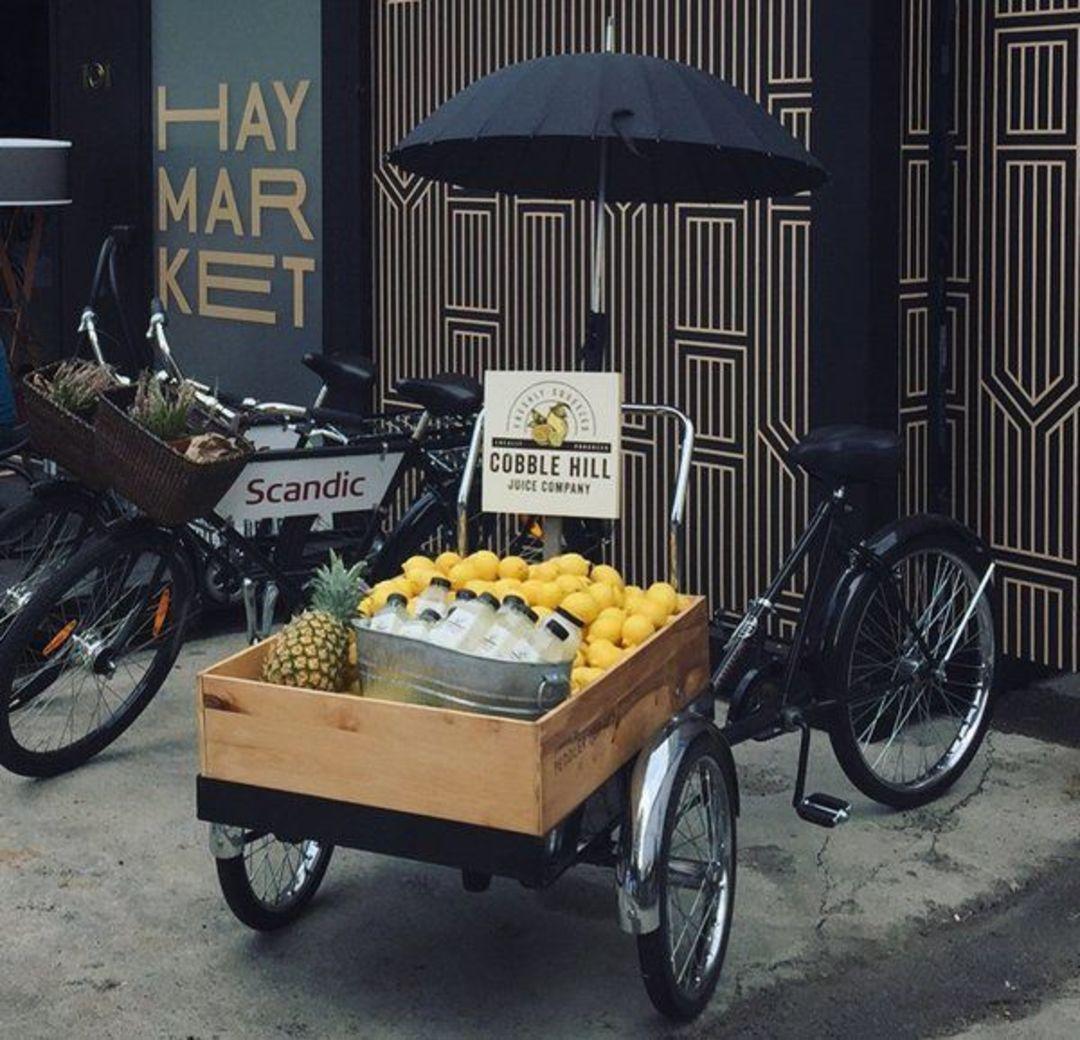 巴斯金的另一家公司 Peddler Pop-Ups 会把三轮自行车租出去当作游击店。