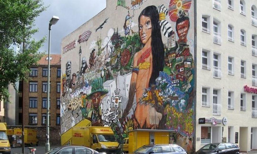 柏林街头的涂鸦(图片来源:《卫报》)