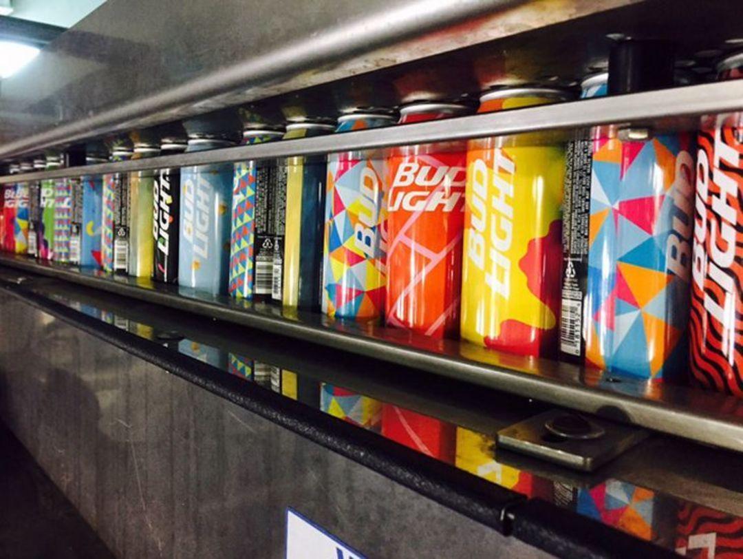 这20万罐百威淡啤,每个包装都不一样_商业_好奇心日报