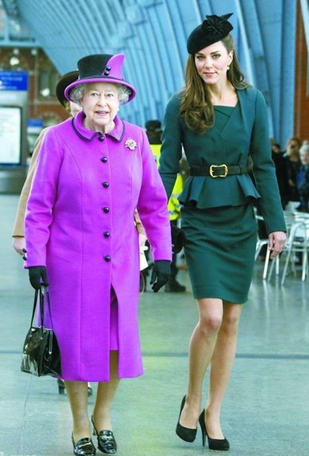 女王伊丽莎白二世与凯特王妃