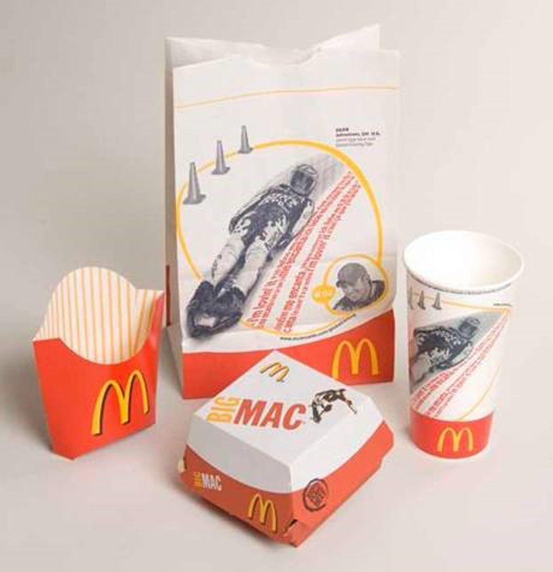 """2003 年,作为""""""""一部分的麦当劳包装"""