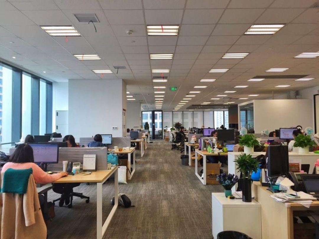 """华通明略的办公室内景,更强调""""开放空间"""""""