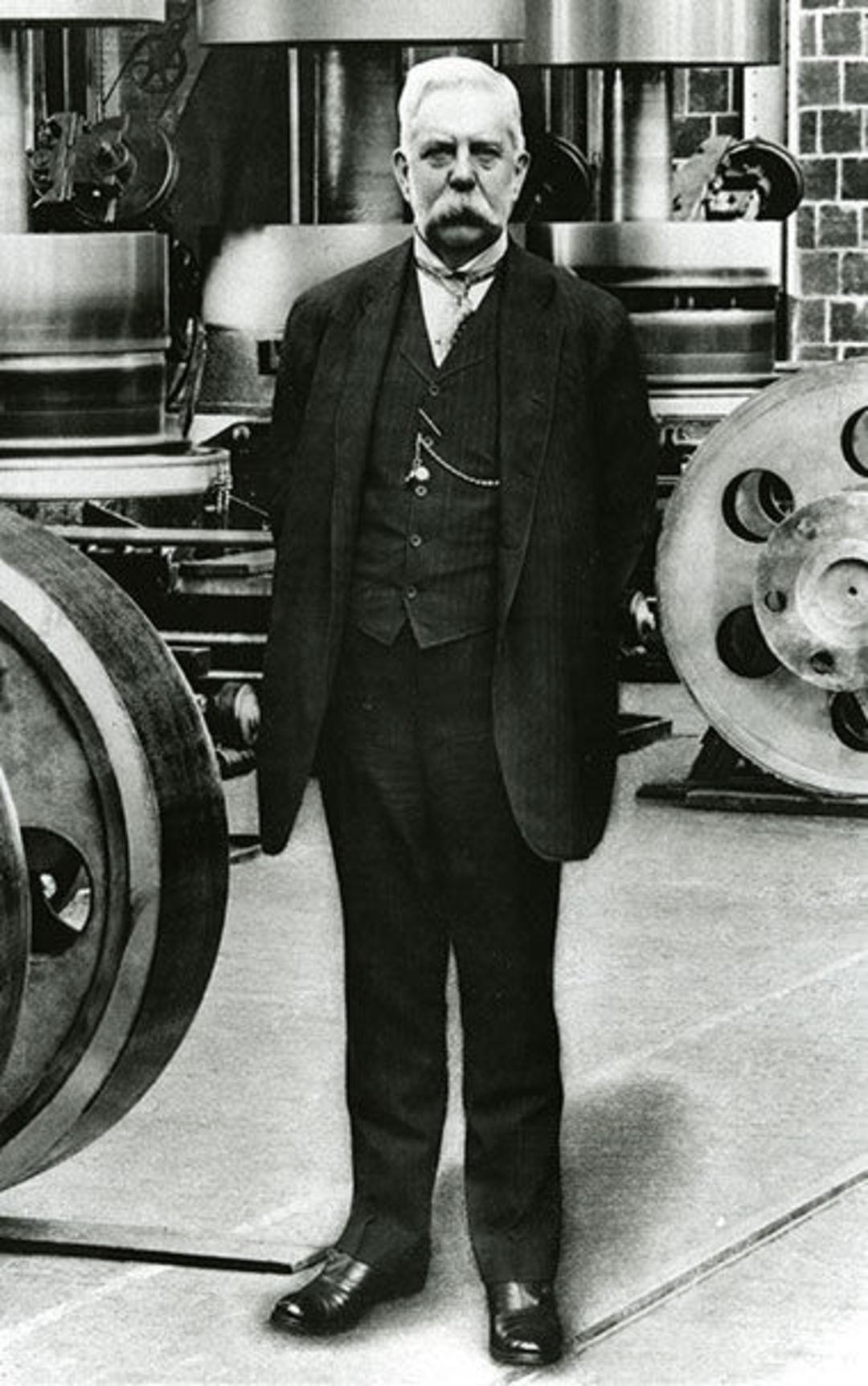 """100 年前爱迪生、特斯拉那些人的""""电流大战""""要拍成电影了,是个很刺激的故事_商业_好奇心日报"""