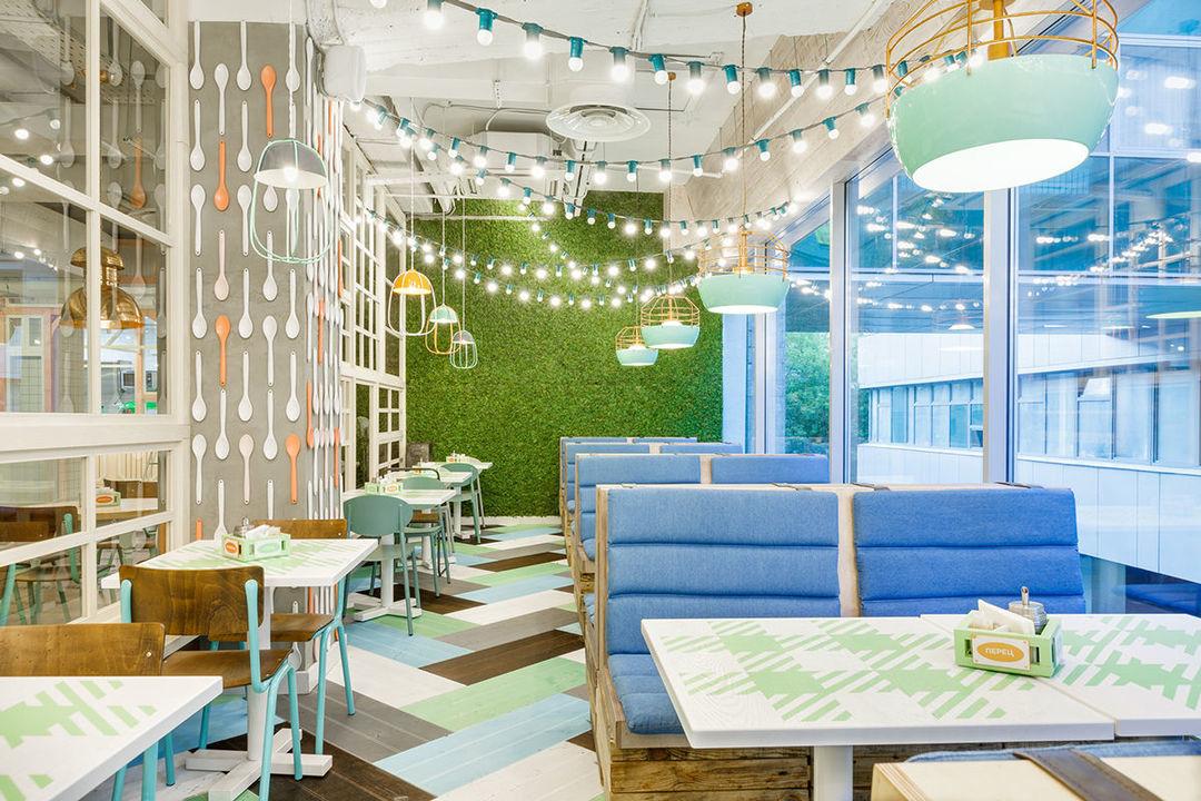 莫斯科有家少女心餐厅,低预算装修可以参考_设计_好奇心日报