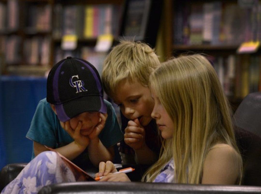 这家位于美国丹佛的独立书店,是如何存活了44年?_商业_好奇心日报