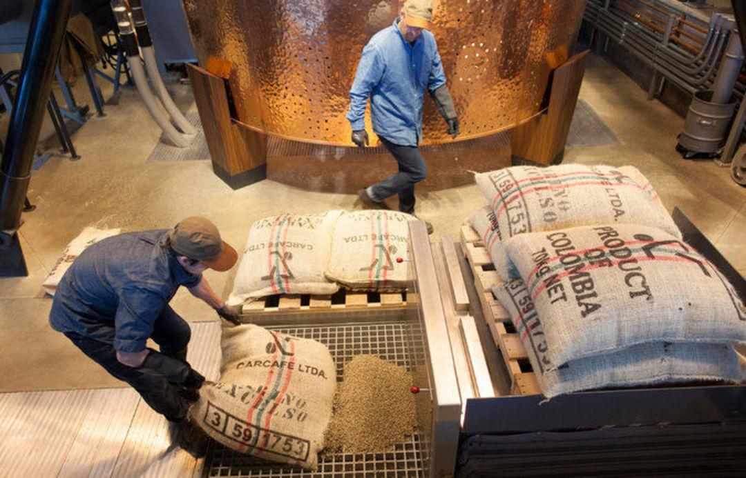 咖啡豆便宜了,为啥星巴克的价格还涨涨涨_商业_好奇心日报