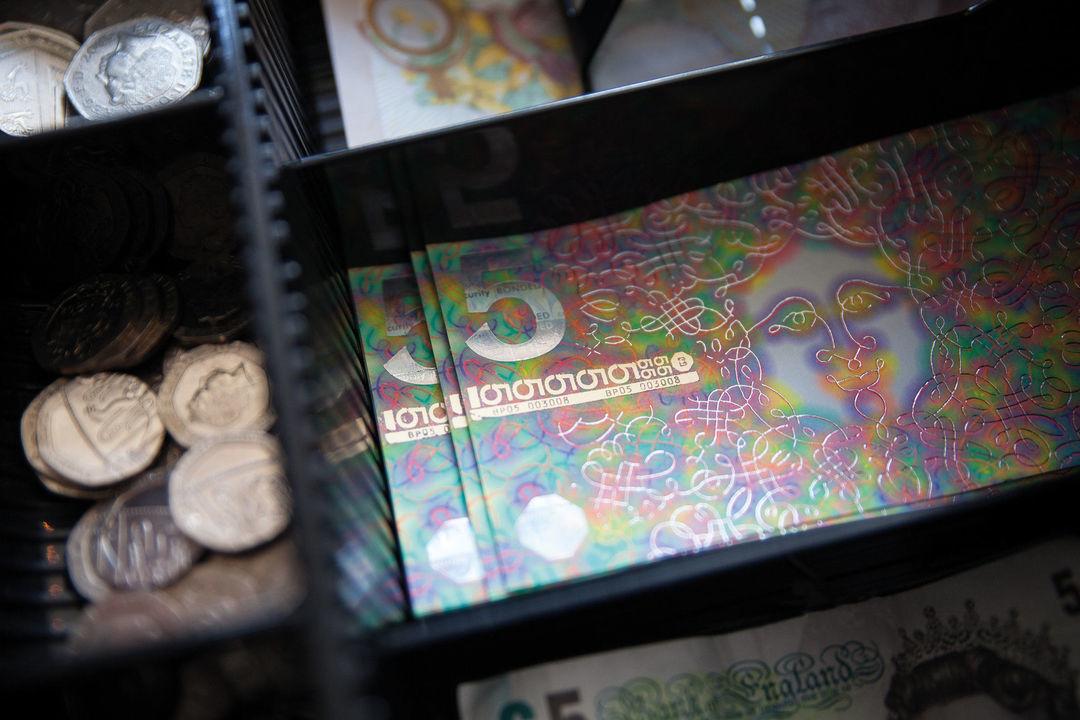 手绘钞票来了,而且还在正儿八经地流通_设计_好奇心日报