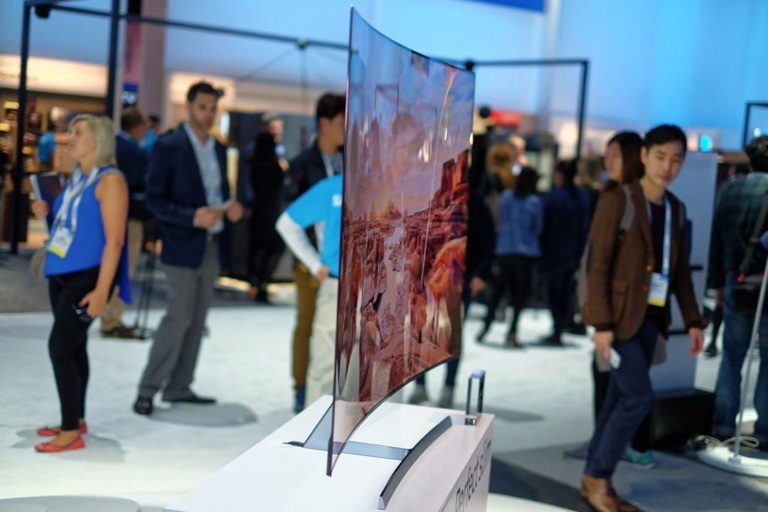 全场最薄的 LG G6 电视 4K OLED,面板厚度 2.57mm