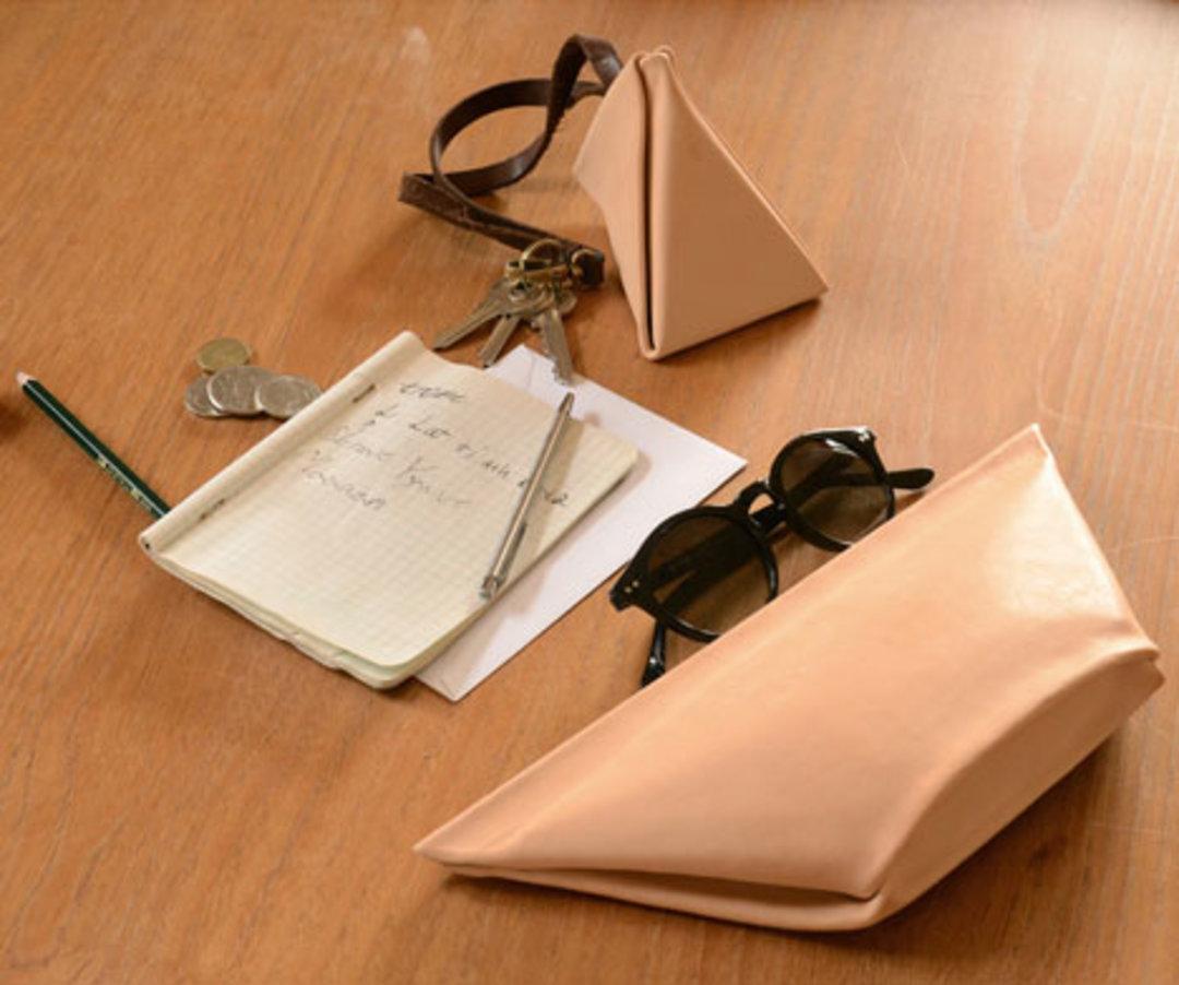 现金越来越少用,钱包也该越来越简单丨这个设计了不起_设计_好奇心日报