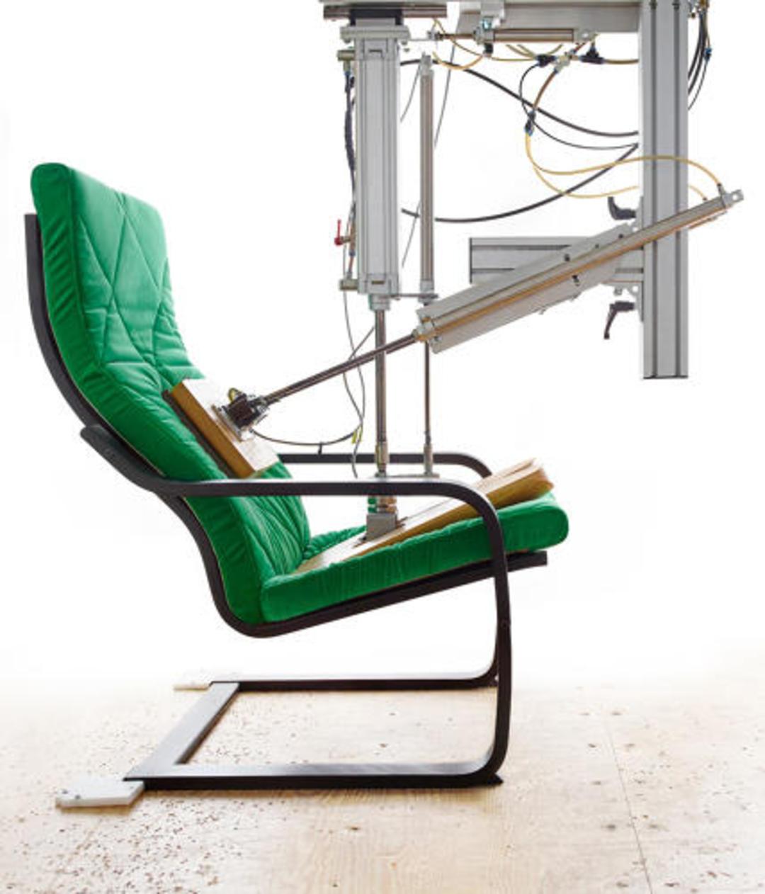 宜家这把扶手椅卖了 40 年,你知道它的故事吗?_设计_好奇心日报