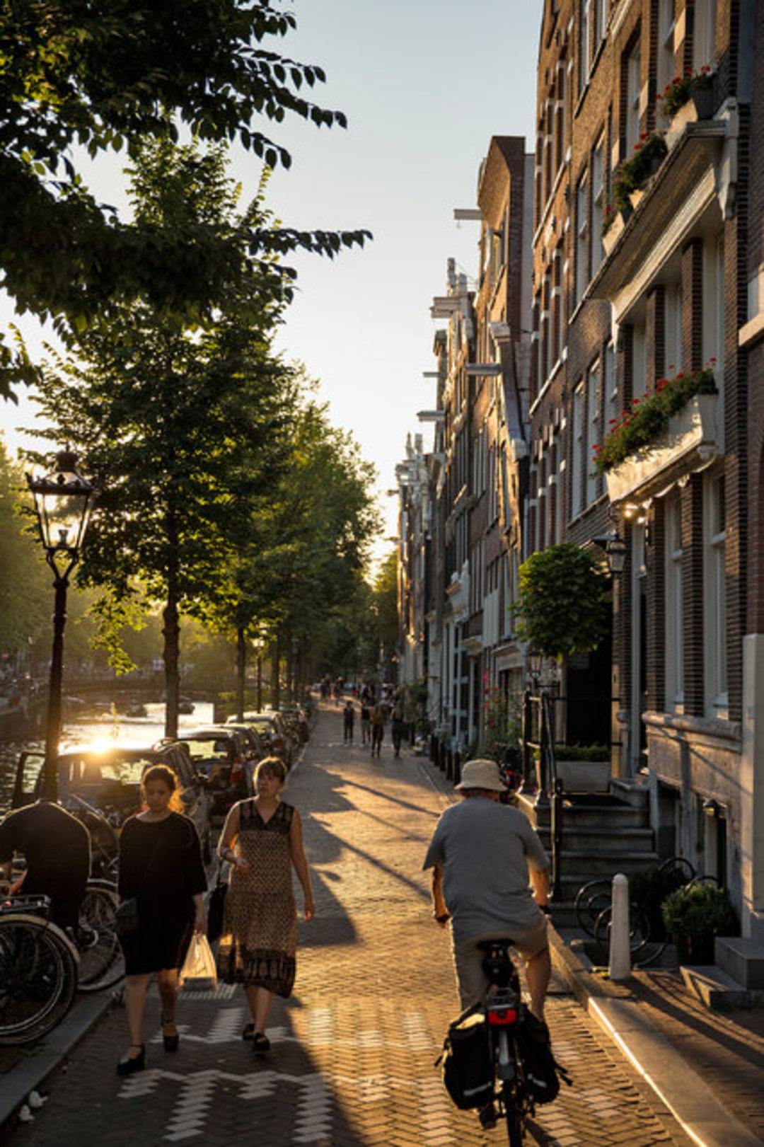 我在阿姆斯特丹住了 7 年,故地重游,我不知道它的温暖还能持续多久_文化_好奇心日报