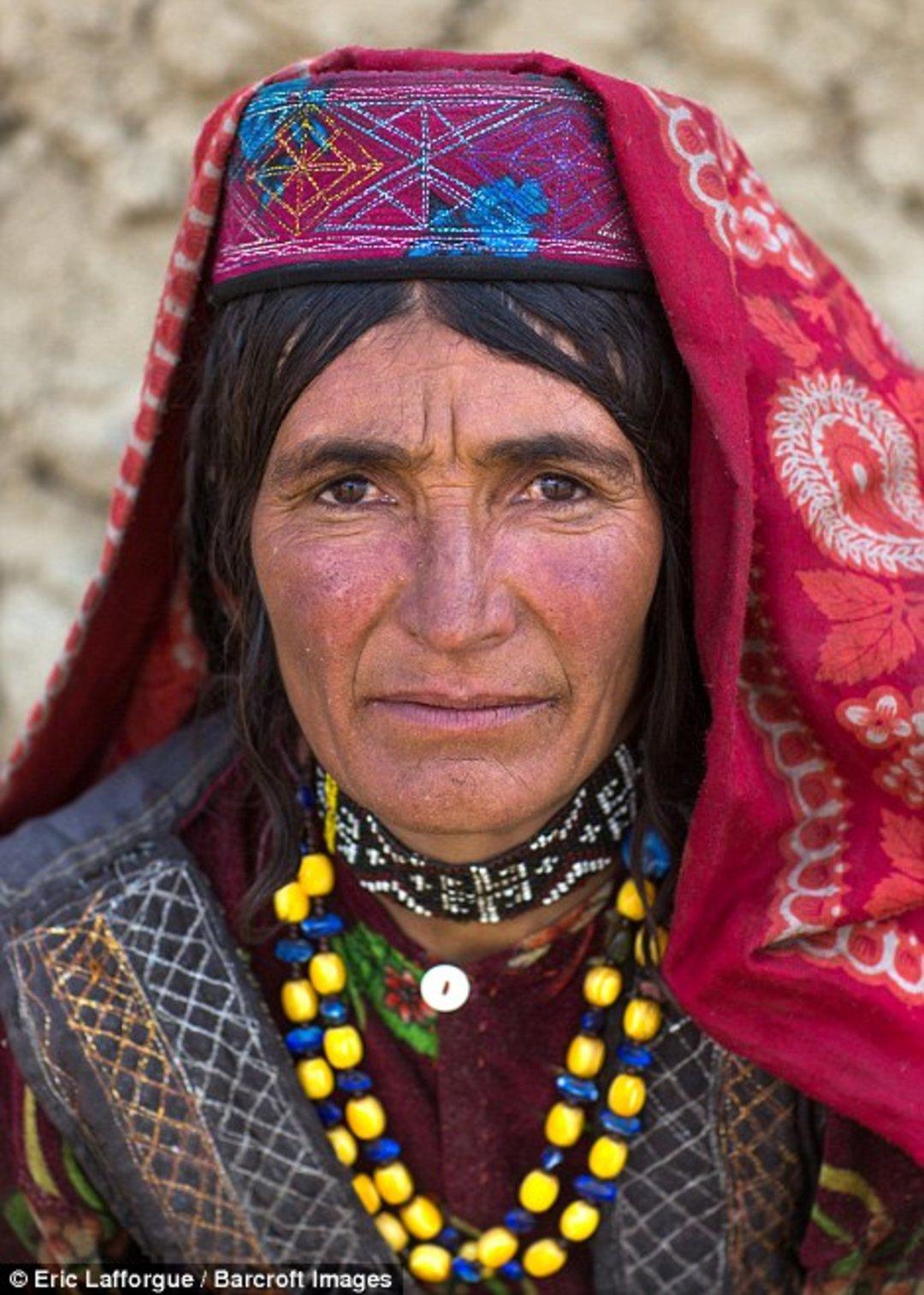 「这世界」阿富汗这片动荡的土地上,居然还藏着一个旅游景点_文化_好奇心日报