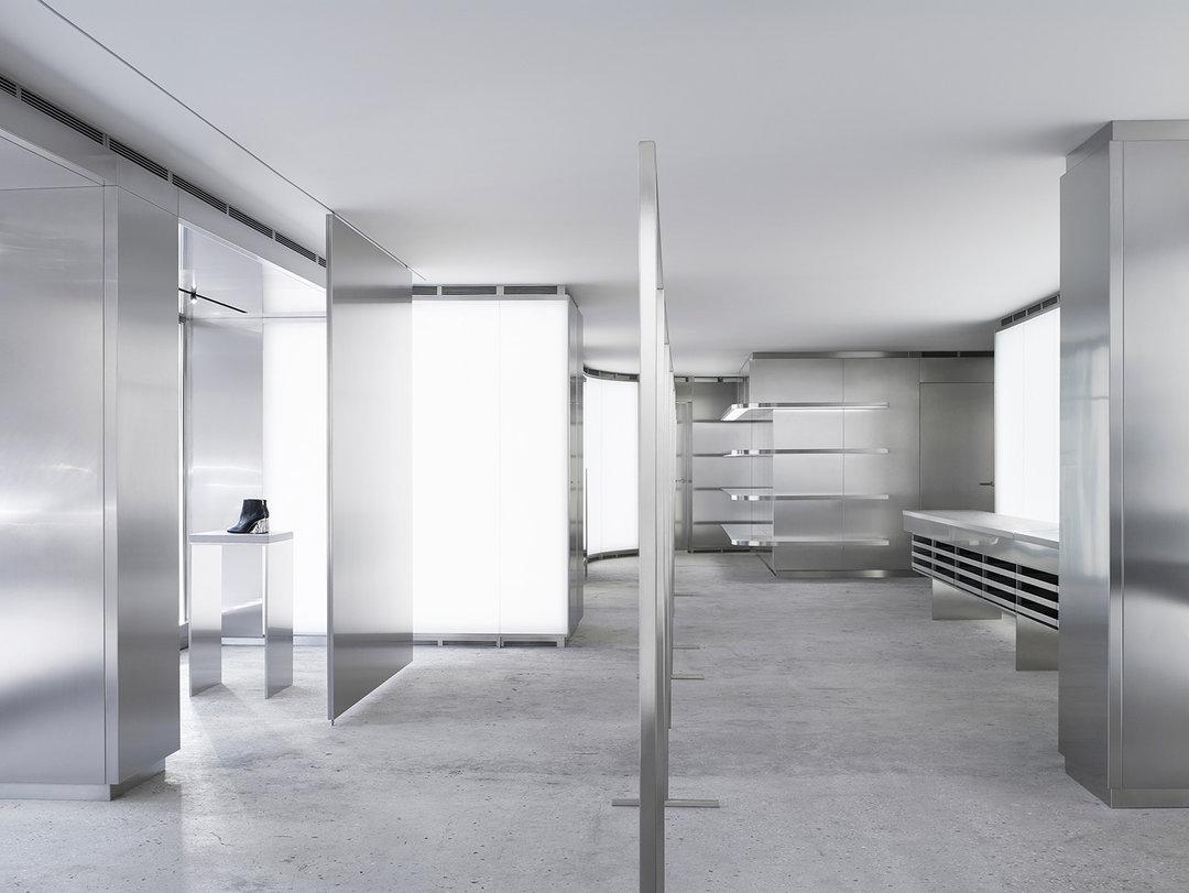 "Acne Studios 在麦迪逊大道上的旗舰店,""很壮观"""